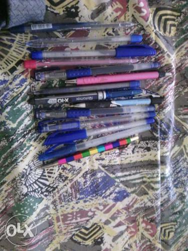 14 pens in good conditon gel and ball