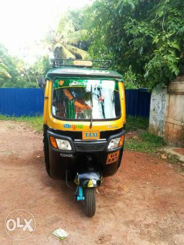 2010 Model tvs king auto rikshaw.Good condition All