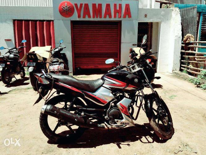 2 5 years old Yamaha SS125 Bike in pristine condition for