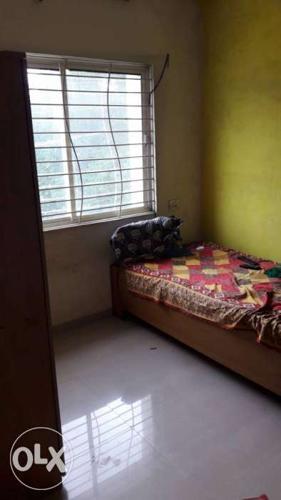 2bhk flat urgent sell krna hai...main road facing