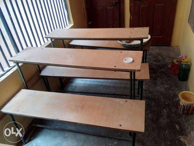 4 bench in new condition and lowst prise