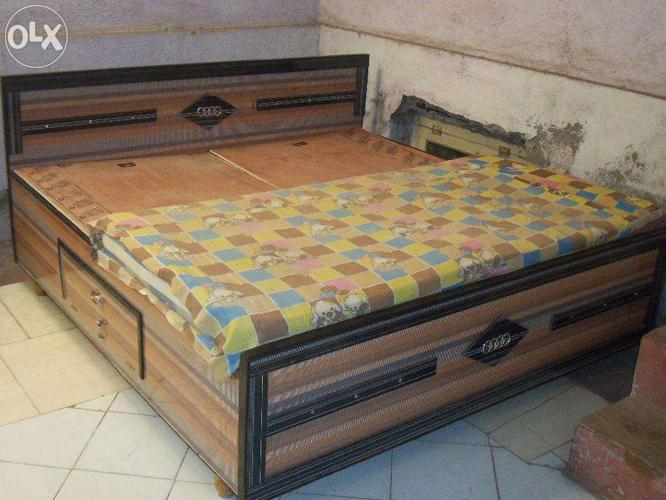 6 6 Feet Box Bed Peti Palang For Sell For Sale In Jamnagar