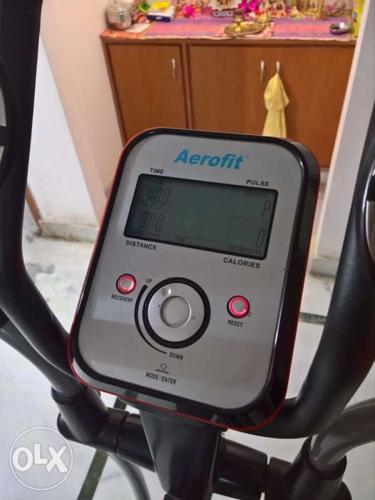 Aerosmith Cross Trainer in mint condition. Market