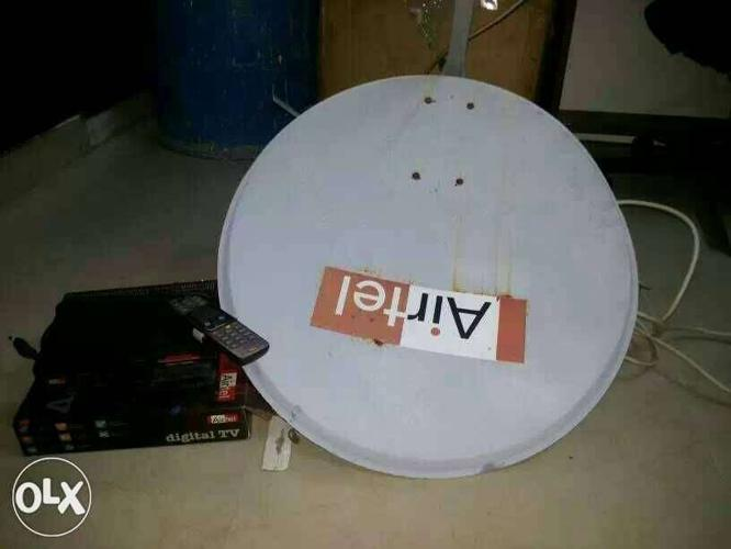 Airtel DTH with dish, set top box remote, viewing for Sale in