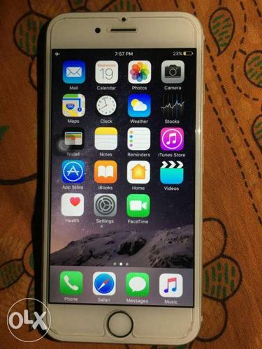 Apple iphone 6s 64 gb silver Almost 1 year used