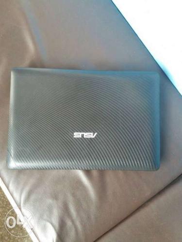 Asus Mini Laptop 250gb hard drive, 1gb ram,wifi,