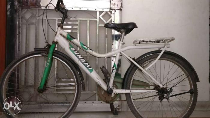 Avon Sunami bicycle in good condition. 20 Inches