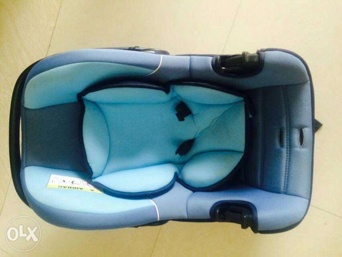 Baby seat Real price 4500 Used less than 1 month