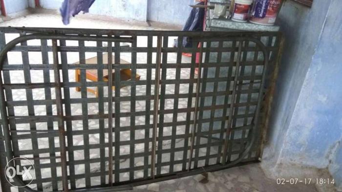 Bed of iron lokhand na palang.