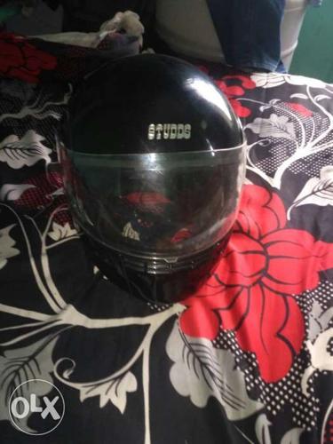 Black Studds Full-face Helmet