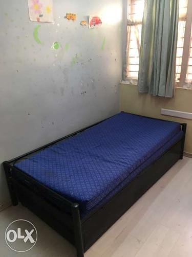 Black Wooden Twin Size Bed Frame With Mattress