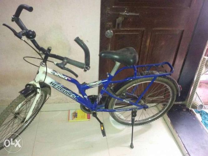 Blue And White Hercules Bike