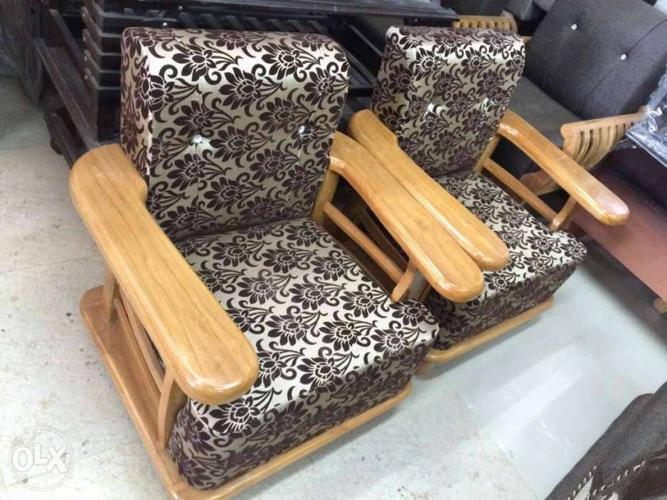 Brand new sofa set 3+1+1 Free steerable