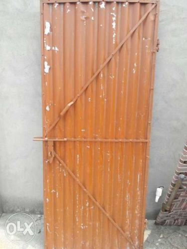 Brown Corrugated Gate