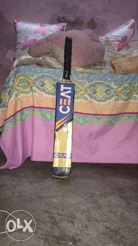 Brown Wooden Ceat Cricket Bat
