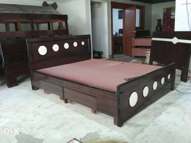 Brown Wooden Trundle Bed Frame