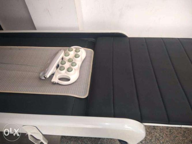 Ceragem master v3 spine automatic massage bed used