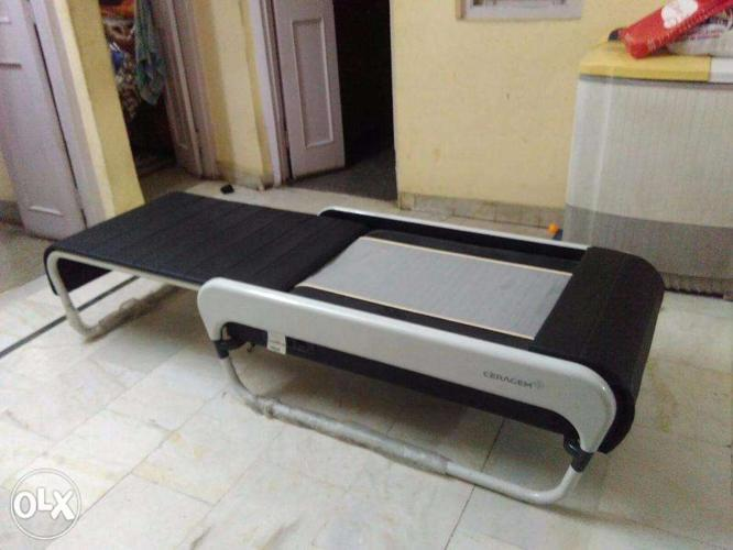 CERAGEM Master V3 USED Therapy Bed for Sale in Agra, Uttar
