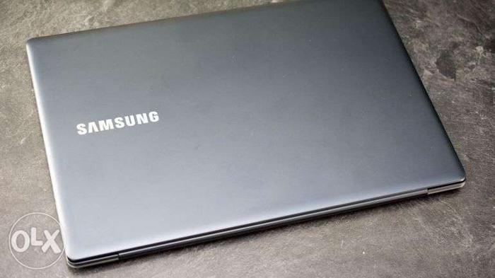 Core i7/4gb ram/1tb hdd/Samsung laptop