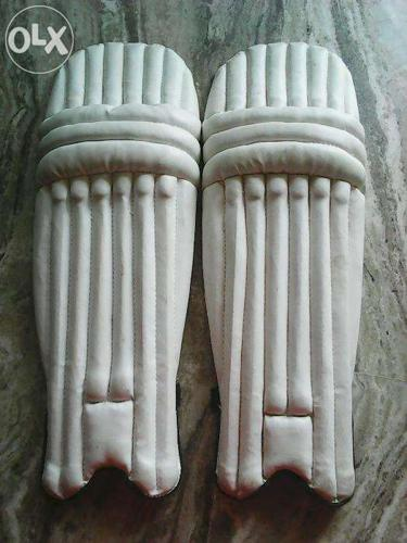 Cricket pads no stains