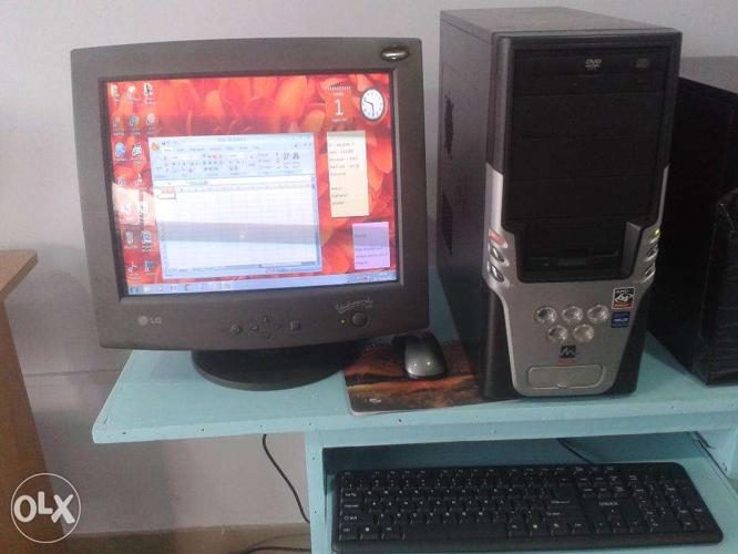 Desktop Computer for sale only Rs.5000/- 1 month