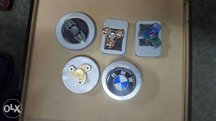 Fidget spinner range 100 to 800