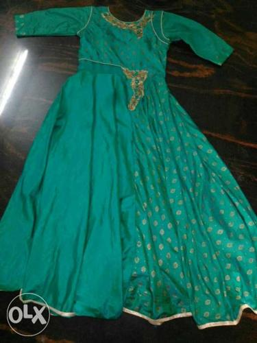 Full length gown,shaded green colour,XL,new item
