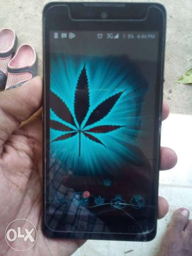 Good condition,,small crack on screen bottom