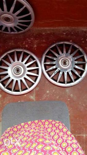Good condition wheelcaps for sell in half price