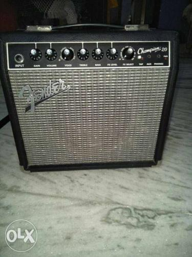 Gray And Black Fender Guitar Amplifier