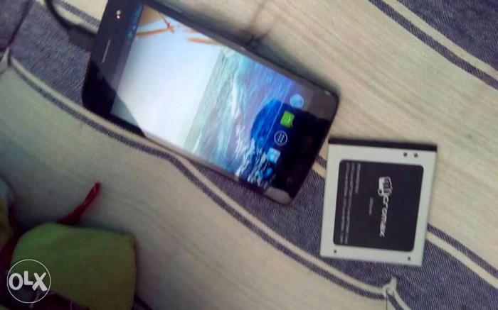 Hi i would like to sell micromax canvas elanza 2