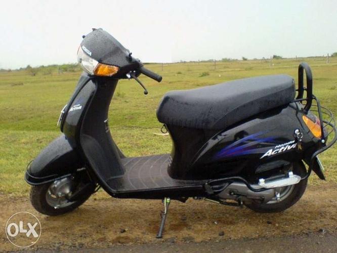 Honda Activa in black colour 2009 model