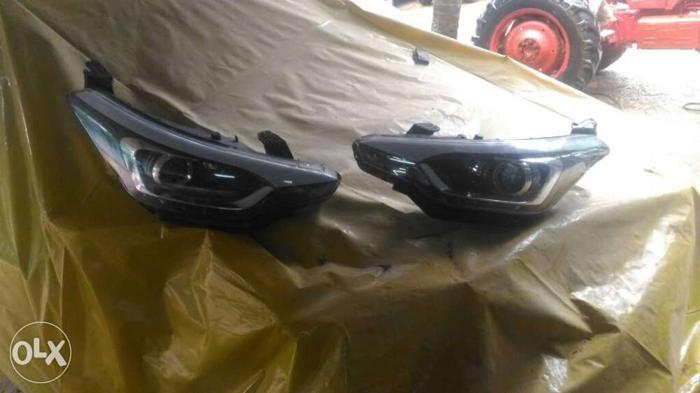 I20 active new headlight ( 2 ) left side and