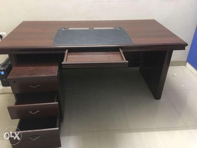 Imported wooden office table and drawer
