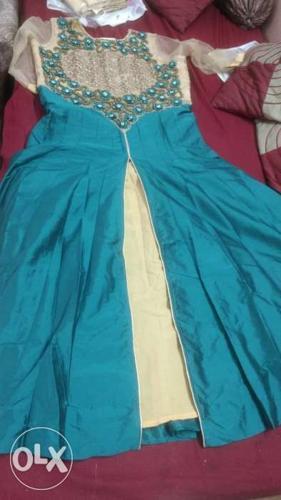 It's a Pretty party wear Indowestern dress ...
