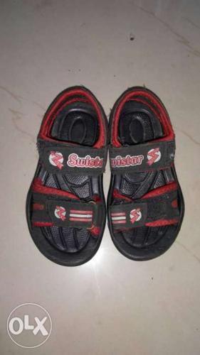 Kids sandals for sale. size 6 months to 1 n half