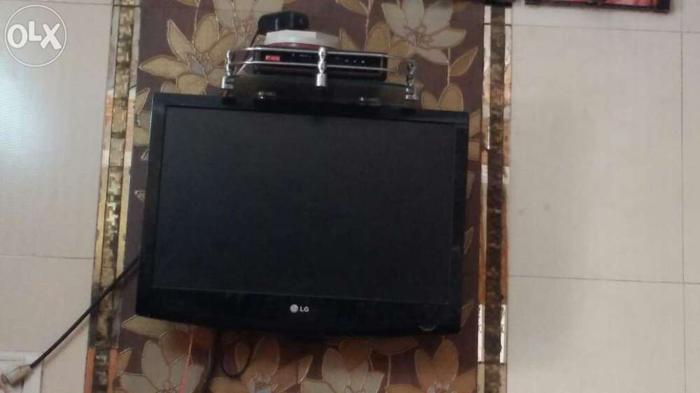 LG TV 21 inches in excellent condition with airtel set top