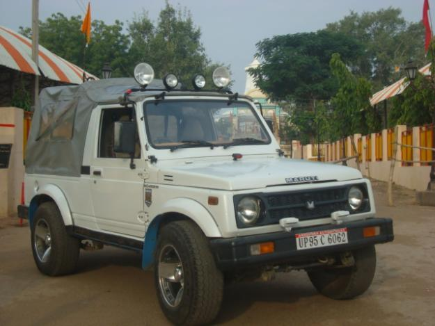 http://images.indialisted.com/nlarge/maruti_gypsy_2004973.jpg
