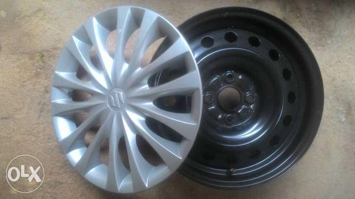 Maruti Suzuki Ciaz 15 inch company wheel rim. 4 Rims