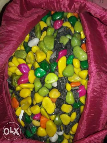 More than 25 kg colourful stones