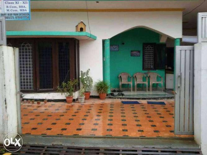 Newly built 180 gaz with 2 bhk and apni car for Sale in