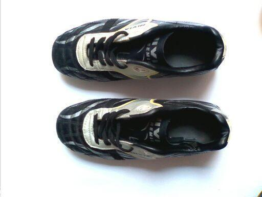 Nivia football boots