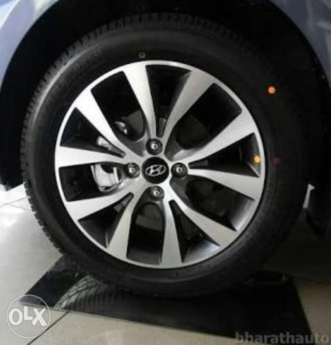 Original verna alloy 16 inches with MRF 75%