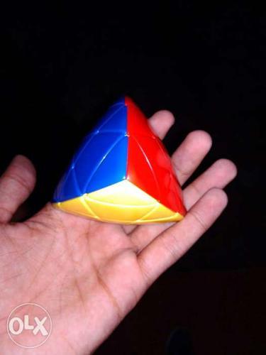 Piraminx cube puzzle