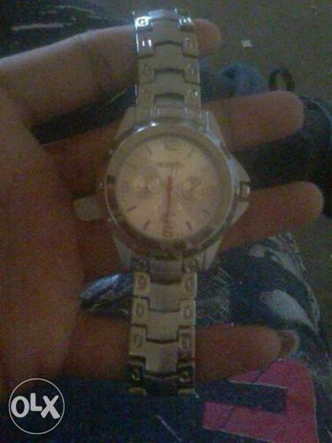 Round Silver Chronograph Watch With Silver Link