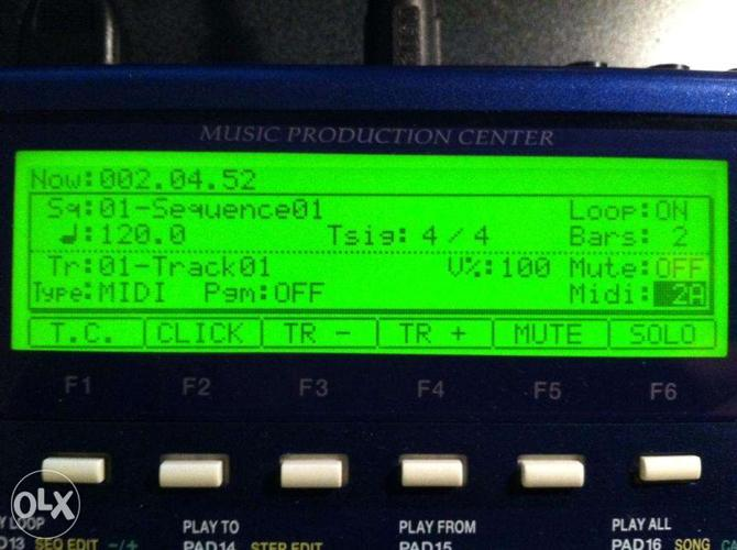 Sampler Akai mpc 1000 with 128 ram in excellent