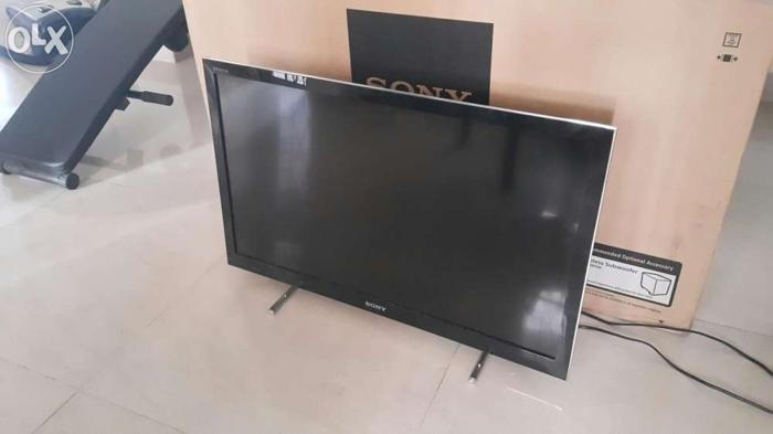 Sony 32 inch Lcd Led 3D smart tv with wifi  HX750 With Skype