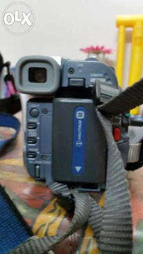 Sony handy cam like new in very less price