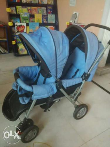 Stroller for twins ( stroller+ pram) , twins can sit n