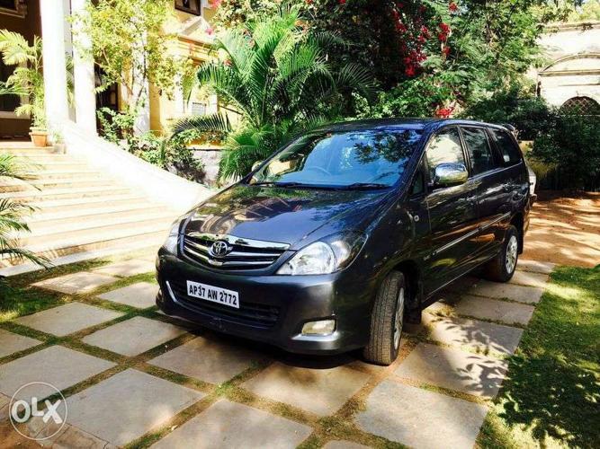 Toyota Innova 2.5 Gx Bs Iv 7 Str (make Year 2010)